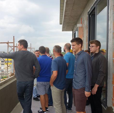 Zaposlenici obišli gradilište nove poslovne zgrade tvrtke Mobilisis