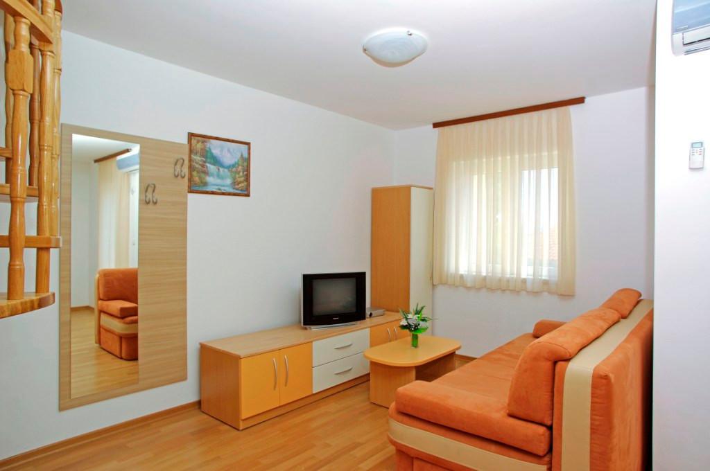 Apartmani 4 + 2 - 2. kat
