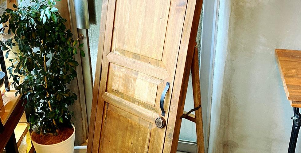 【SOLD-OUT】扉付き木製ミラースタンド