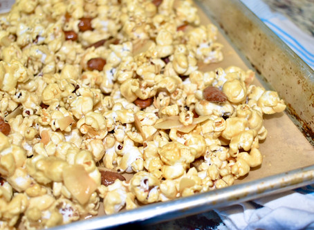 The Best Caramel Popcorn (No corn syrup, no refined sugar, only the best ingredients!)