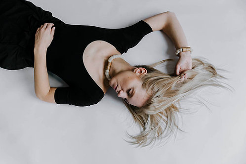 Adéla Pečlová – Náhrdelník Nude WOOD