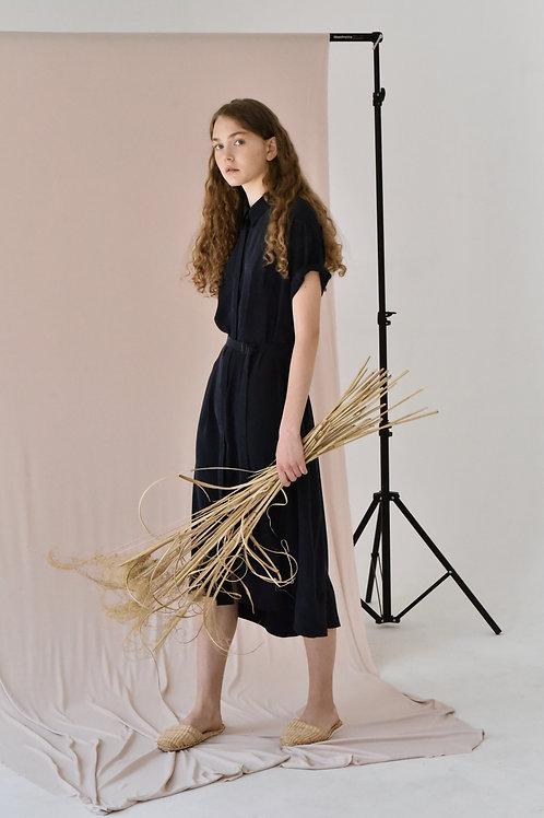 Lucie Komárková – Hedvábné košilové šaty