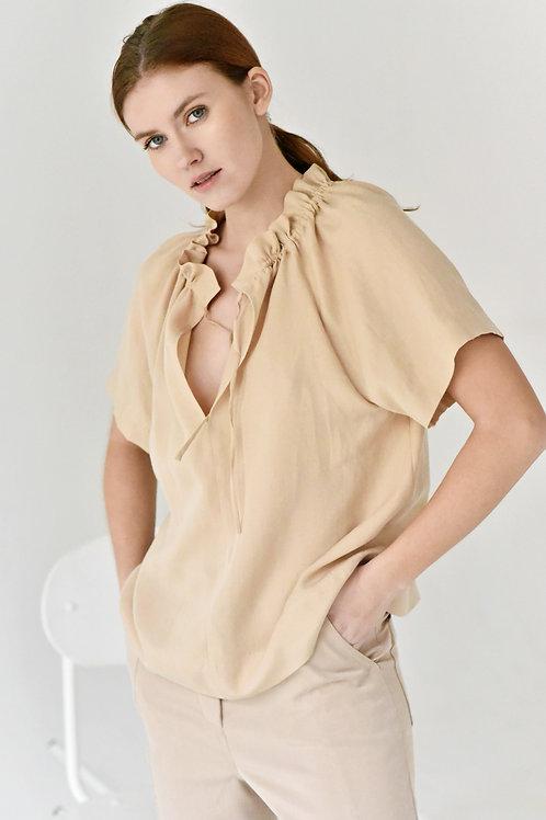Lucie Komárková – Oversize řasená košile s krátkým rukávem