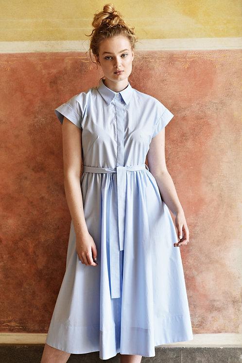 Lucie Komárková – Vypasované košilové šaty
