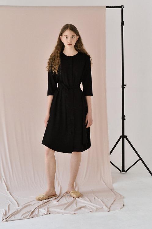 Lucie Komárková – Černé šaty SIMPLE