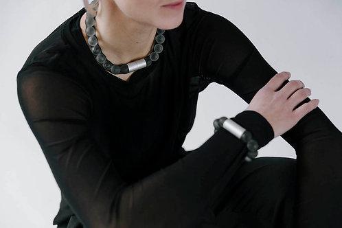 Adéla Pečlová – Náhrdelník Big pure black