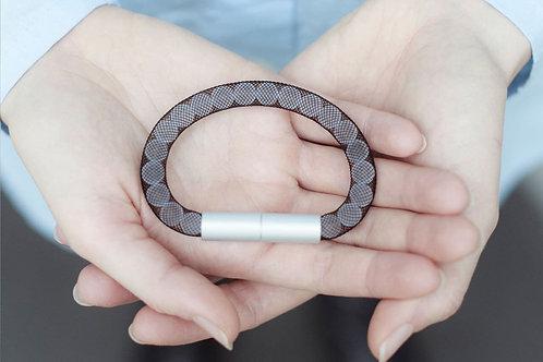 Adéla Pečlová – IMPERFECT | pure black bracelet