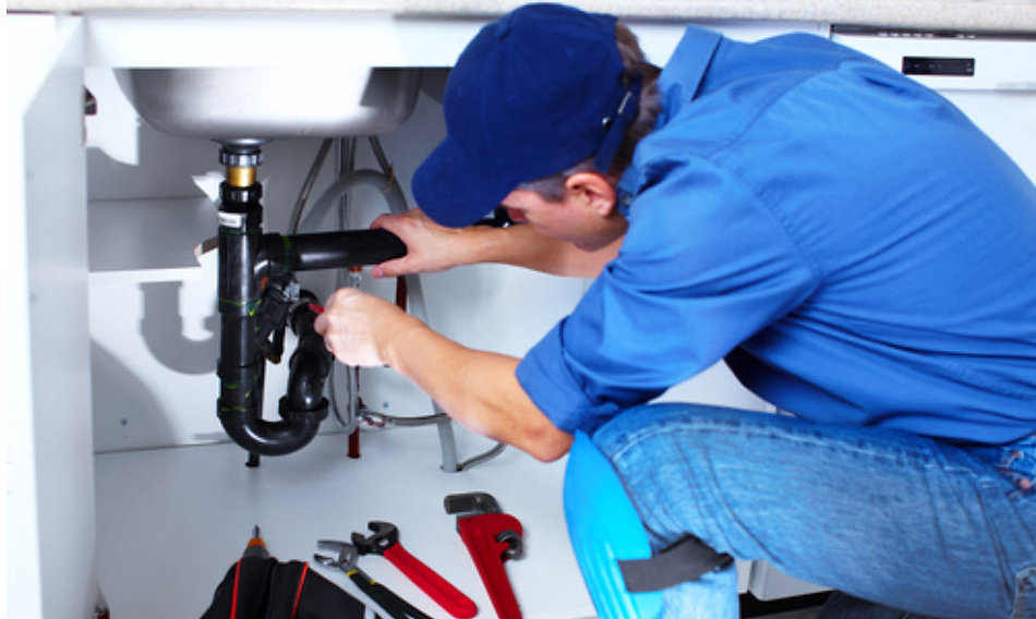 benefits of hiring a professional plumber, professional plumber benefits,
