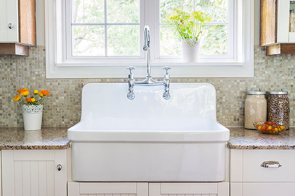 white kitchen sink, how to choose a new kitchen sink, choosing a new sink, buying a new kitchen sink, kitchen sink considerations, which sink is right for me, types of kitchen sinks