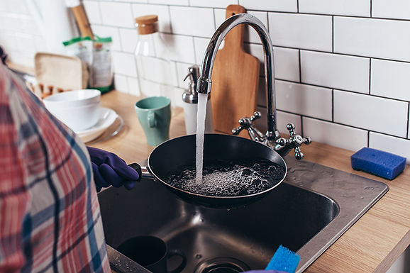 washing pan, never pour grease down your sink, don't pour grease down your kitchen sink, how to dispose of grease, grease disposal, grease down the the kitchen sink