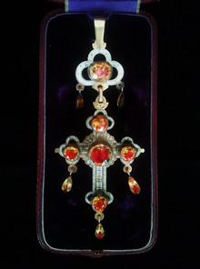 Croce in oro e smalti, Francia, prima metà del XIX sec.