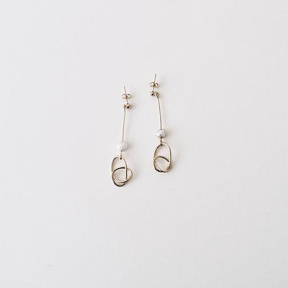VOLUTE Les Inédits - Boucles d'oreilles - Noeud M et perle M