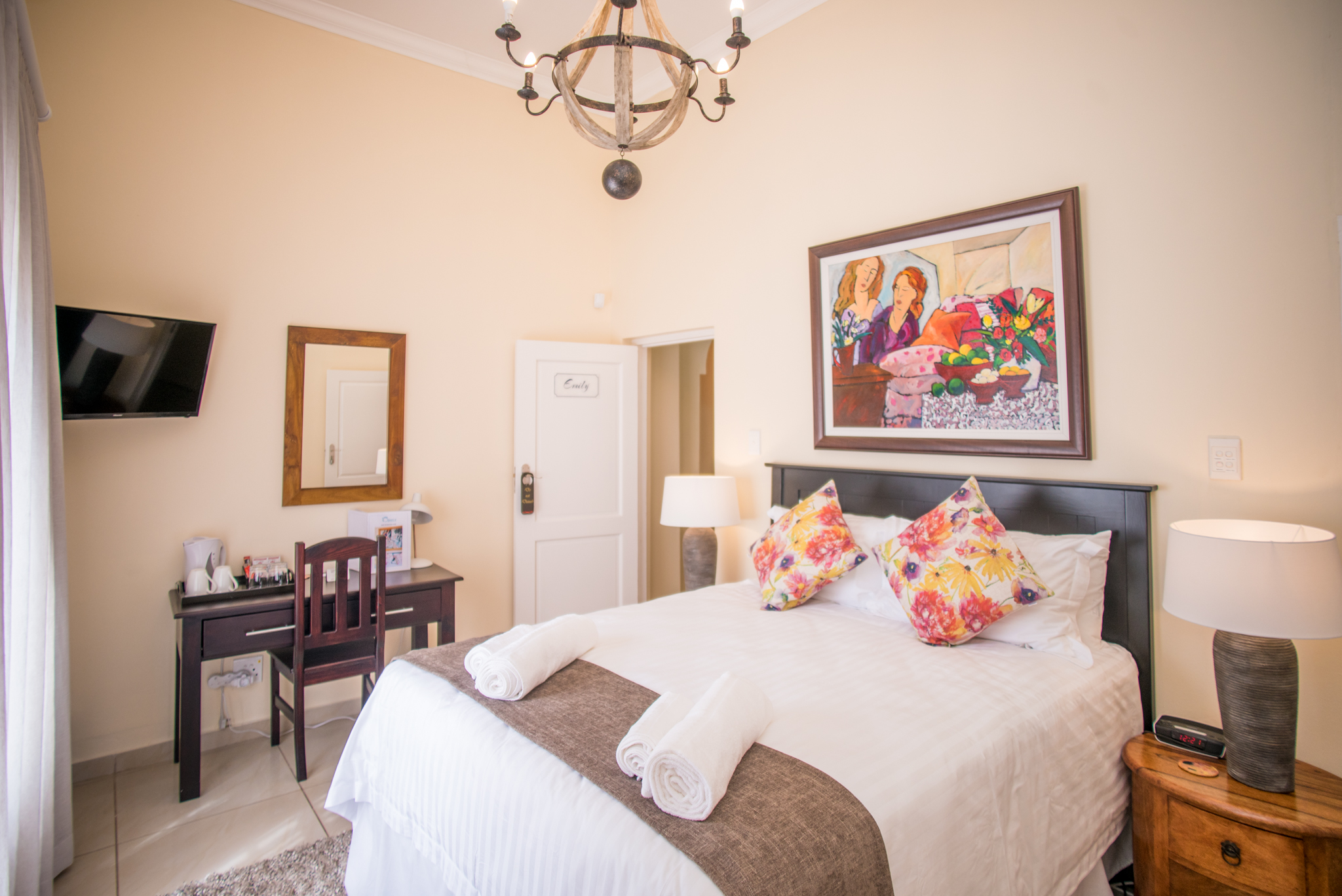 Olivers Bed & Breakfast - Emily Room 1