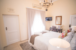 Olivers Bed & Breakfast - Emily Room 4