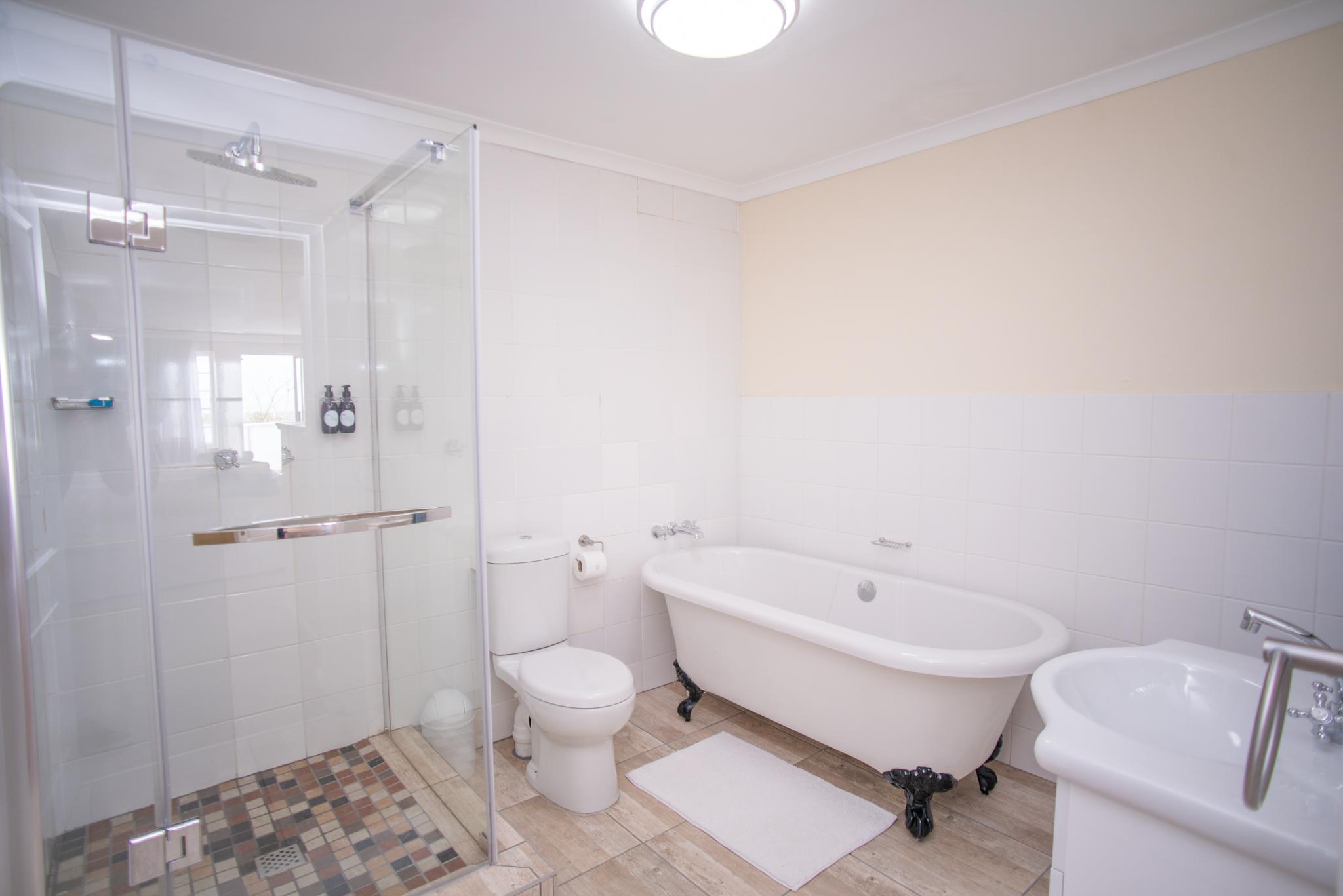 Olivers Bed & Breakfast - Tristen Bathroom