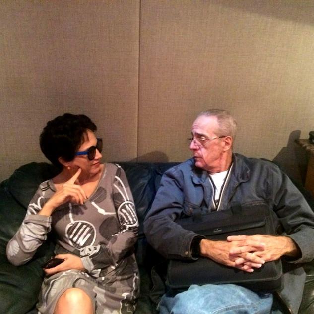 Valéria Oliveira e o maestro Rildo Hora, que assina parte da direção musical de seu novo CD.
