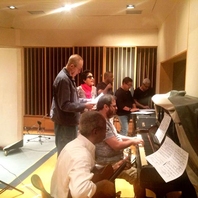 Segunda etapa de gravação do novo disco de Valéria Oliveira, no estúdio Companhia dos Técnicos, em Copacabana.