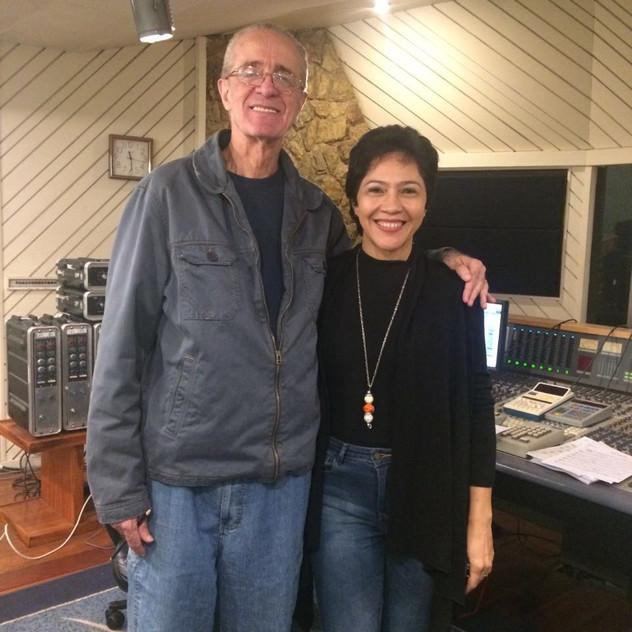 Valéria Oliveira e o maestro Rildo Hora, no segundo dia de trabalho.