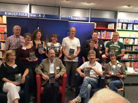 Eine Buchhandlung voller Autoren und Zuhörer - was will ich mehr?