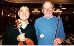 和美国弦乐协会创办人一起合影