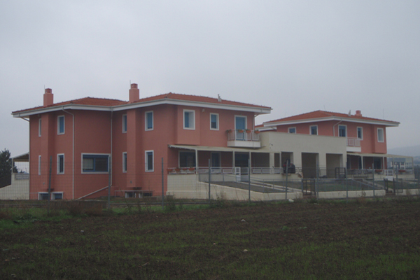 4 Houses Complex