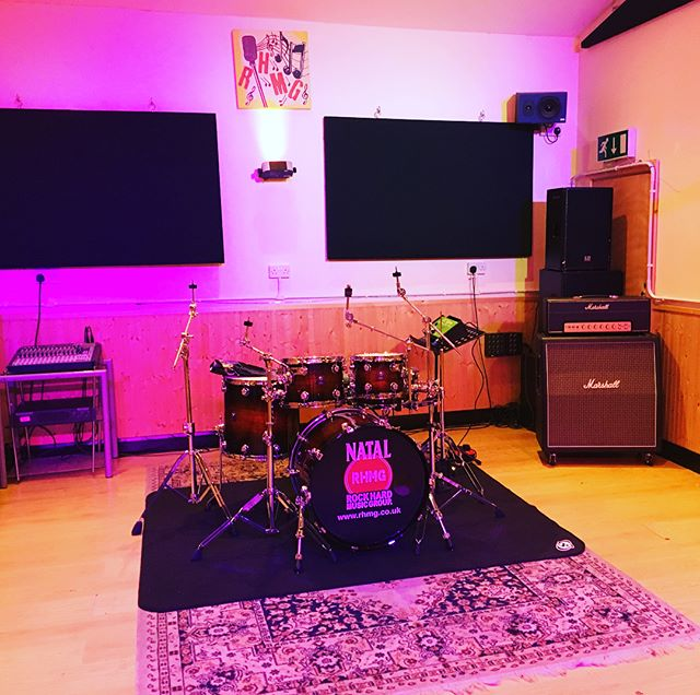 Setup for the _nataldrumsofficial and _60secondlick day is underway! _Rock On everyone!_••••_#RHMG_#