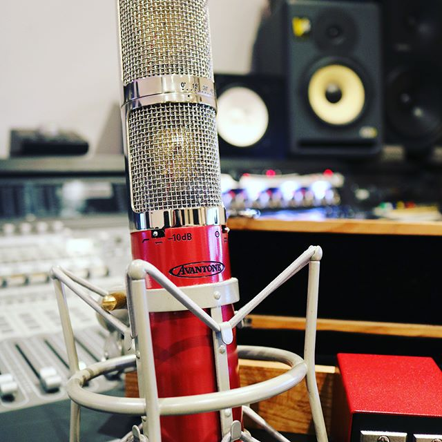 We've just added this gorgeous Avantone CK40 Stereo microphone to our in house mic stock