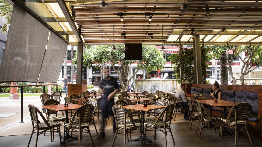 LDV Outdoor dining