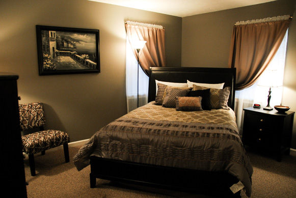Kentucky Horses and Bourbon Guest Bedroom.jpg
