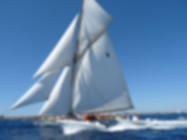 Velero Panerai Navegando