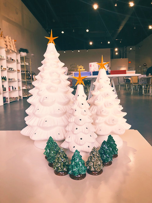 Vintage Christmas Tree Painting Event|18in x 11in Tree| 11 /29/20 6pm-8pm