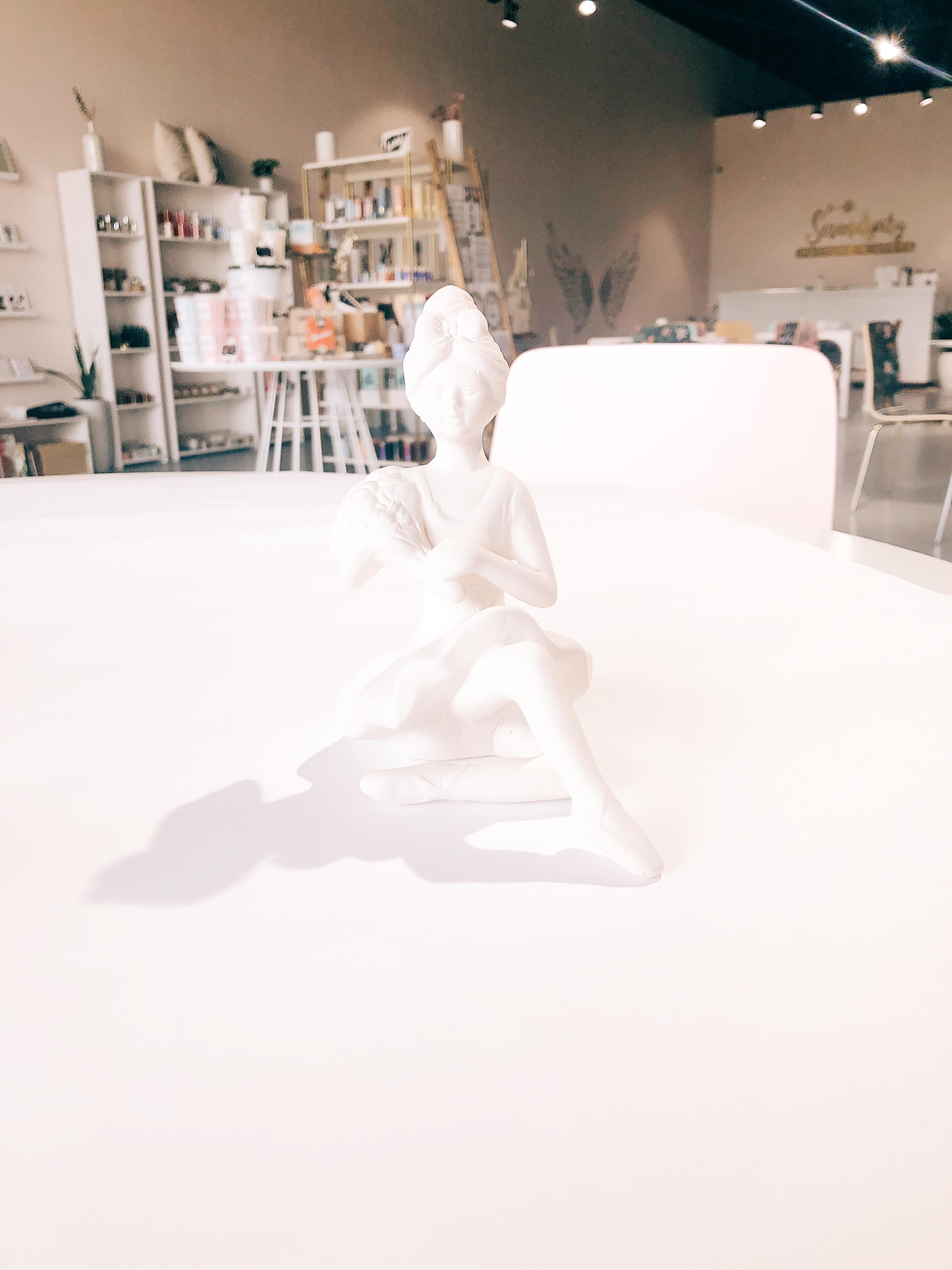 Ballerina (sitting)