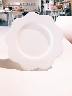Curvy Plate