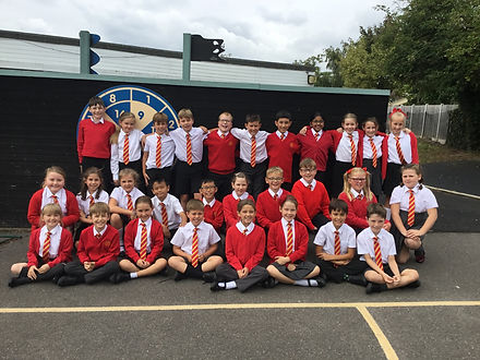 Year 5 Class Photo Sept 2019.jpg