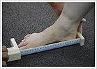足の計測.jpg