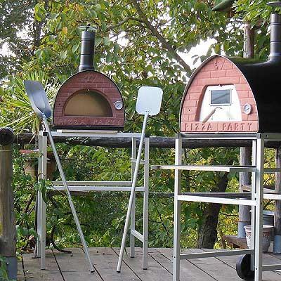dos-hornos-de-leña-jardin.jpg