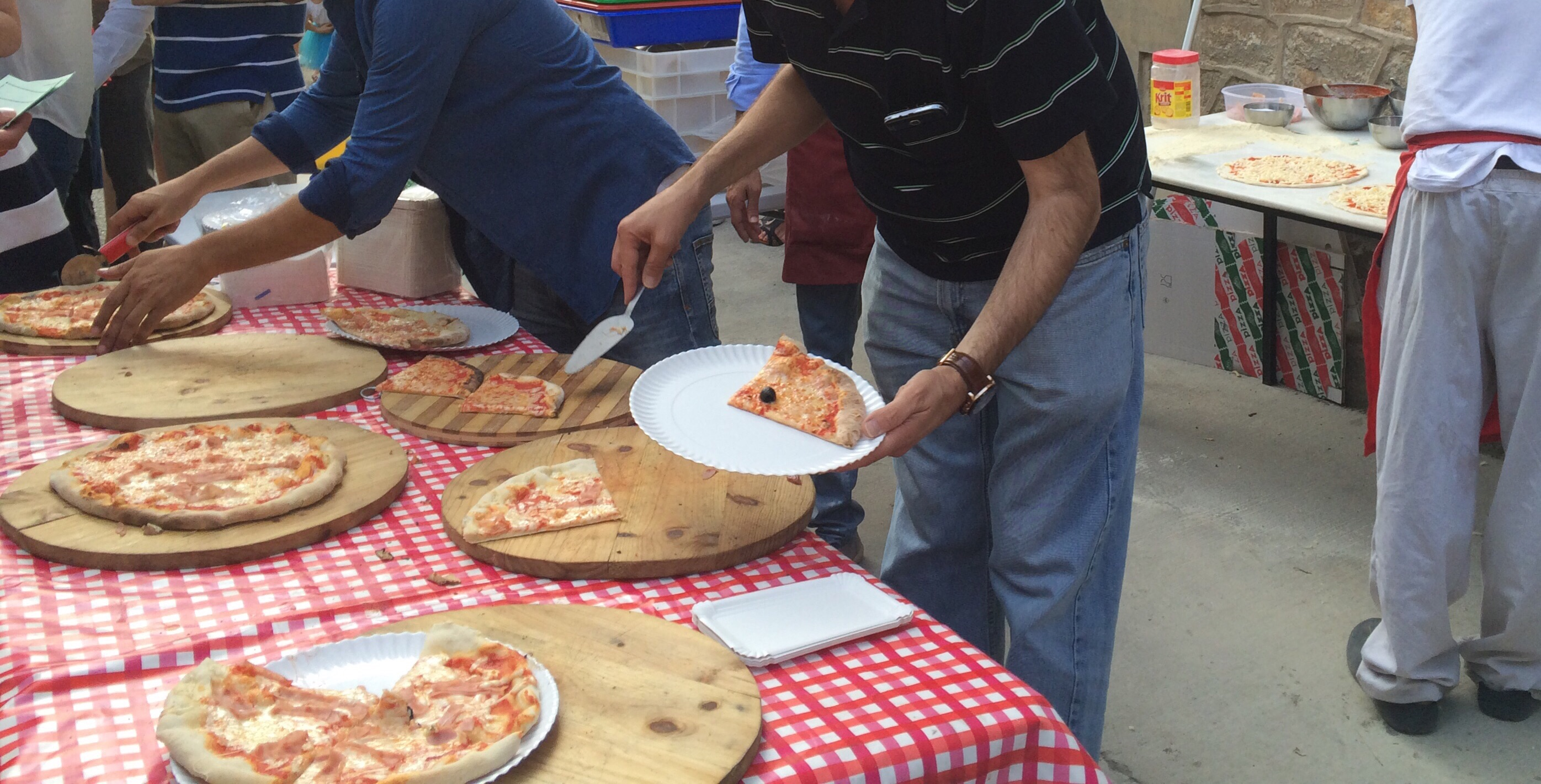 Pizza Party en fiesta colegio