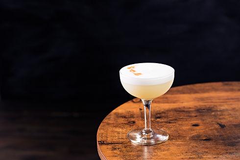 refreshing-pisco-sour-cocktail-H3XT5L2.j