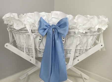 Bailey Moses basket in baby blue