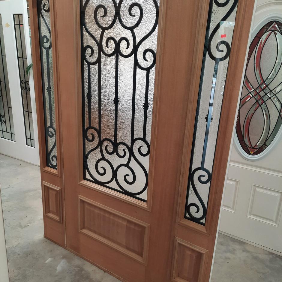 3/4 Wood Veneer Door w/ Matching Sidelites - Highland