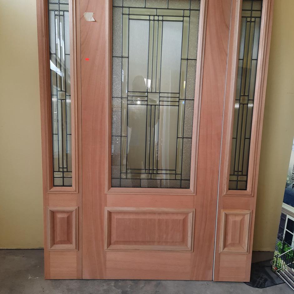 3/4 Wood Veneer Door w/ Matching Sidelites - Sequence Glass Design