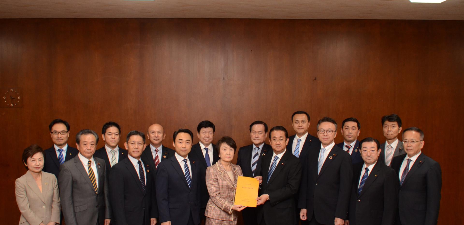 予算要望書を林市長に提出(2019年10月)