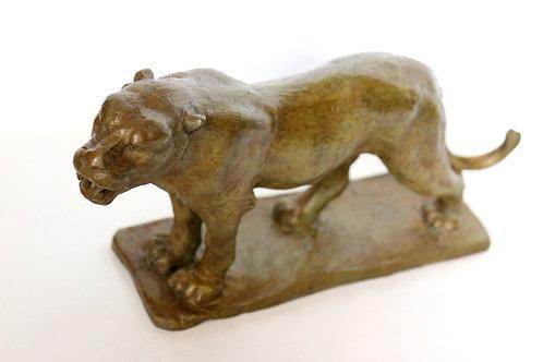 Petite Lionne Debout : L36 x  P 9,5 x H 20cm BRONZE N° 1/8 FONTE PAUMELLE