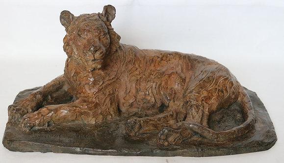Tigre Couché BronzeL51 x P29 x H22,5 Bronze ,Fonte Paumelle 1/8