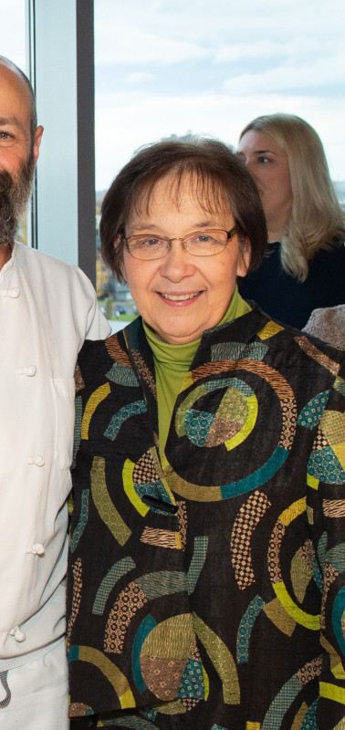 Mindy Tomazevac of Providence Diabetes Center and Chef Brett Knipmeyer of Kinley's Reataurant