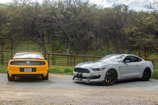 Shelby GT350 vs Boss 302 - The Best Mustangs Compared