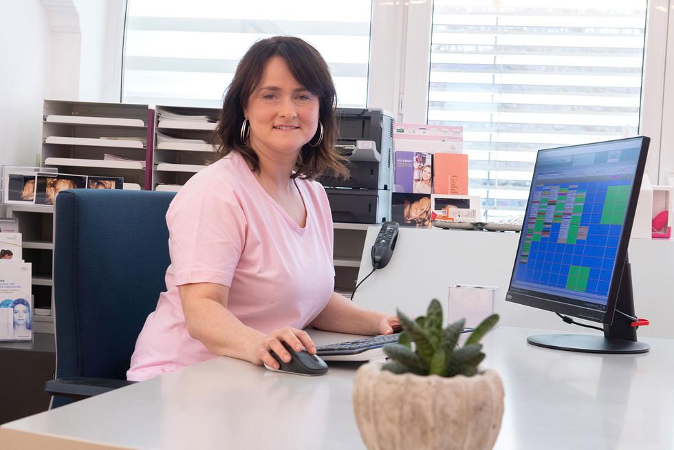 Dr. Barbara Preuer-Lackner, Frauenarzt