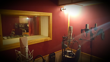 Studio-B2019-LO-17.png