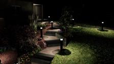 Escalier d'accès au garage de nuit.jpg
