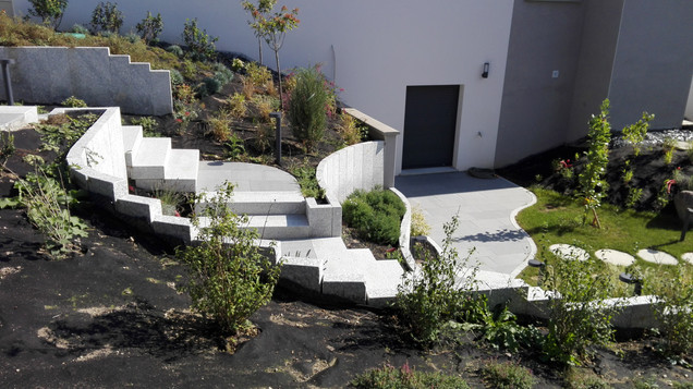 Escalier de jardin granit